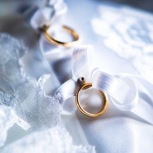 Foto del fotografo di matrimonio a Milano Mairo Cinquetti delle fedi nuziali