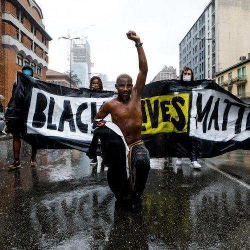 Proteste Black Lives Matter in corteo a Milano, foto di Mairo Cinquetti