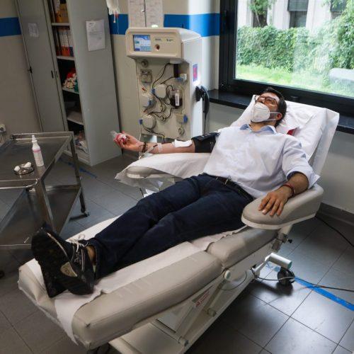 Matteo Salvini dona il plasma per l'emergenza Coronavirus a Milano, foto di Mairo Cinquetti
