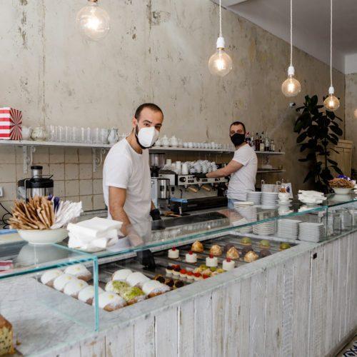 Foto dello staff della Pasticceria Gelsomina a Milano, foto di Mairo Cinquetti