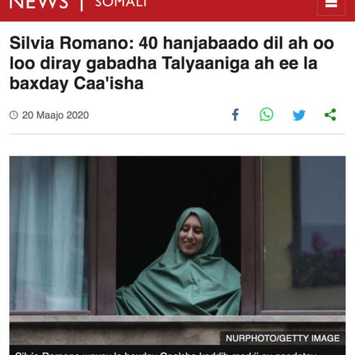 Ritorno a casa di Silvia Romano a Milano dopo il rapimento in Kenia in una pubblicazione su BBC, foto di Mairo Cinquetti