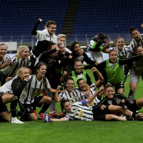 La Juventus women festeggia la vittoria contro il Milan Women allo Stadio San Siro di Milano, foto di Mairo Cinquetti